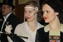 Ve Vlkoši se lidé vrátili do první republiky. Plesem zněla dobová hudba a program doplnila i módní přehlídka.