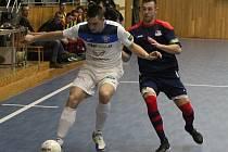 Futsalisté Hodonína (v modrých dresech) podlehli v televizní dohrávce 19. kola Chance ligy brněnskému Helasu 2:5. Hosté v derby vstřelili tři góly při power play soupeře do prázdné branky.
