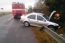 Ke střetu dvou aut došlo v pátek před sedmou hodinou ráno ve Veselí nad Moravou ve směru na Kozojídky.