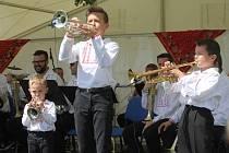 V Ratíškovicích se konal jubilejní 50. ročník mezinárodního festivalu dechových hudeb. Vystoupilo hned dvanáct kapel, na začátku sobotního odpoledního programu Mistříňanka a Stříbrňanka.