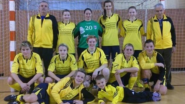 Fotbalistky hodonínského Nesytu skončily na halovém turnaji v Myjavě druhé. Ve finále podlehly domácímu týmu 0:1.