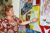 Díla žáků milotické základní školy, která připomínají české předsednictví v Evropské unii.