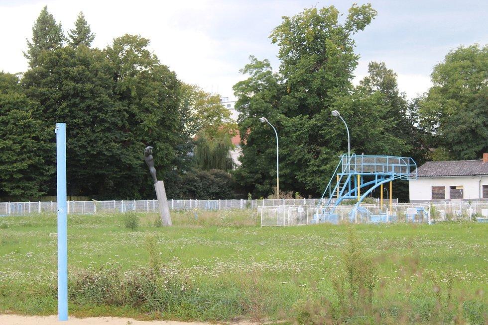 Letní koupaliště v Kyjově před demolicí.