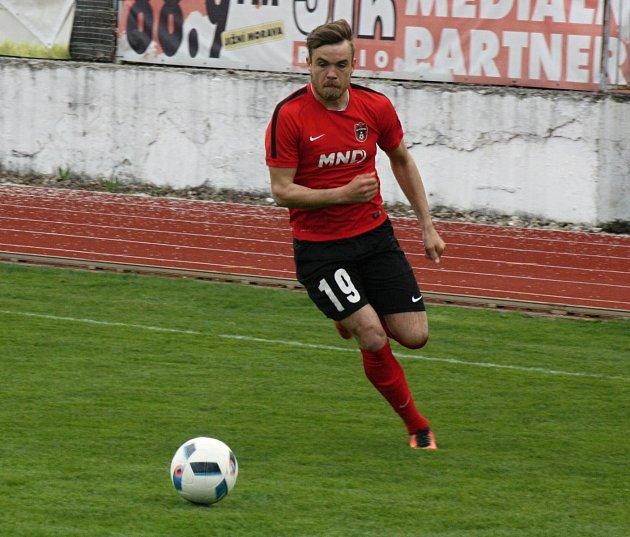 Hodonínský obránce Petr Fojtík byl nejaktivnější domácí hráč, přesto vpátečním zápase sTasovicemi neskóroval.