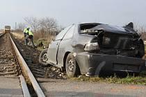 Ve Strážnici se v úterý krátce před půl desátou ráno střetl na železničním přejezdu automobil s vlakem. Nehoda se obešla bez zranění.