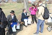 Návštěvníci skanzenu ve Strážnici pletli pomlázky a vynášeli Morenu