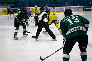 Hodonínští hokejisté zahájili krajskou ligu výhrou.