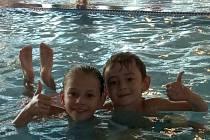 Děti z oblastí postižených tornádem si užily skvělý den v aquaparku.
