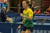 Stolní tenistka Iveta Vacenovská (na snímku) v pátek večer vymění pingpongový stůl za veslařský trenažér. Ve sportovní hale TEZA poměří sílu s dalšími hodonínskými sportovci.
