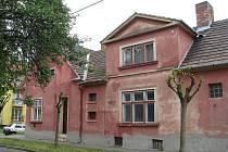 Dům v hodonínské Bezručovy ulice, z něhož majitel v závěti polovinu odkázal městu Hodonín.