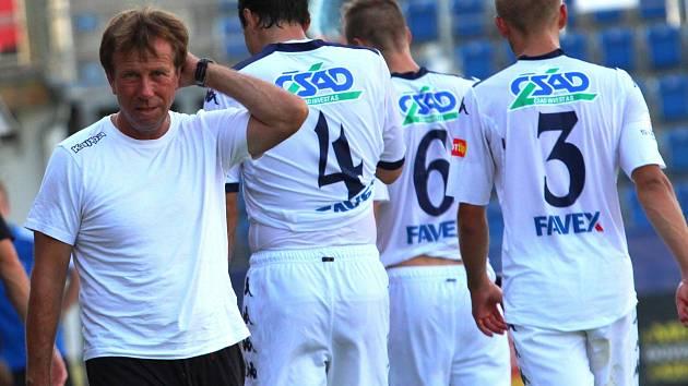 Známý ratíškovický kouč Jiří Dekař působí v ligovém Slovácku na různých trenérských pozicích už třináct let.