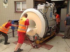 Kyjovská nemocnice získala novou magnetickou rezonanci. V následujících týdnech ji čeká instalace a zkušební provoz.