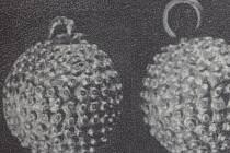 Pozlacené bronzové gombíky od šestého mikulčického kostela.