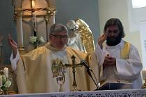 Přesně před sto lety, na svátek svatého Jana Křtitele, prožíval Radějov velkou slávu. Tamní kostel svatého Cyrila a Metoděje se dočkal vysvěcení. ýznamné jubileum si teď obec znovu připomněla.