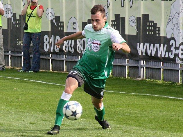 Fotbalisté Bzence prohráli i druhý venkovní duel v letošním ročníku divize D. Další ztrátě nezabránil ani Lukáš Mlýnek.