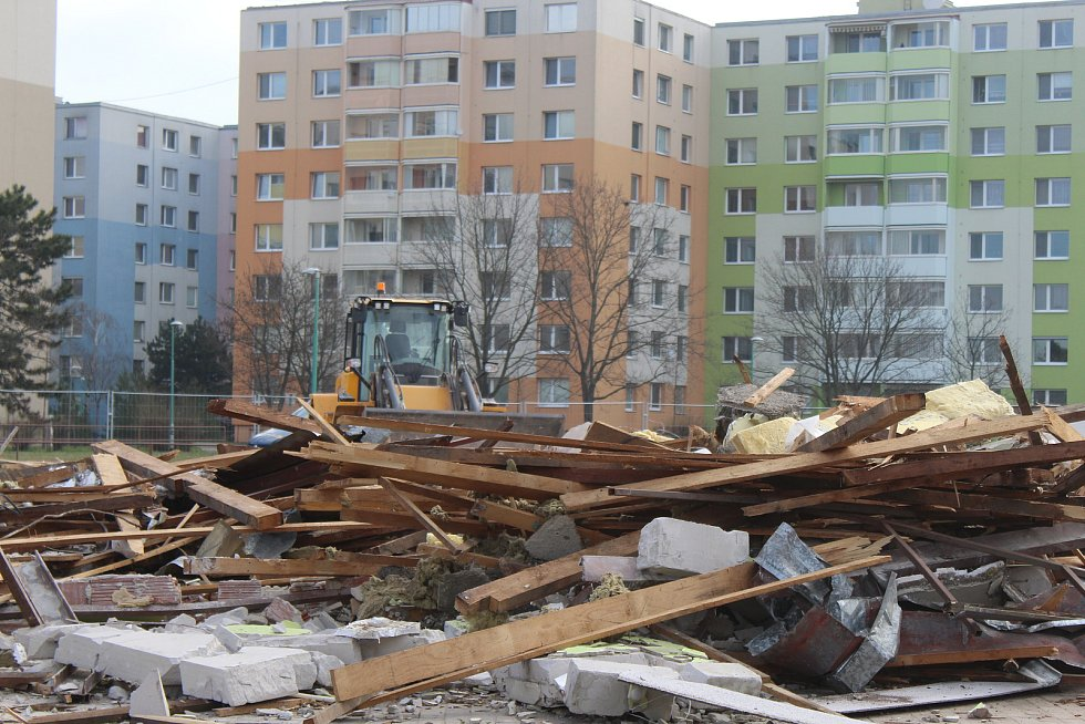 Práce na bývalé městské tržnici ve Veselí nad Moravou v úterý dopoledne.