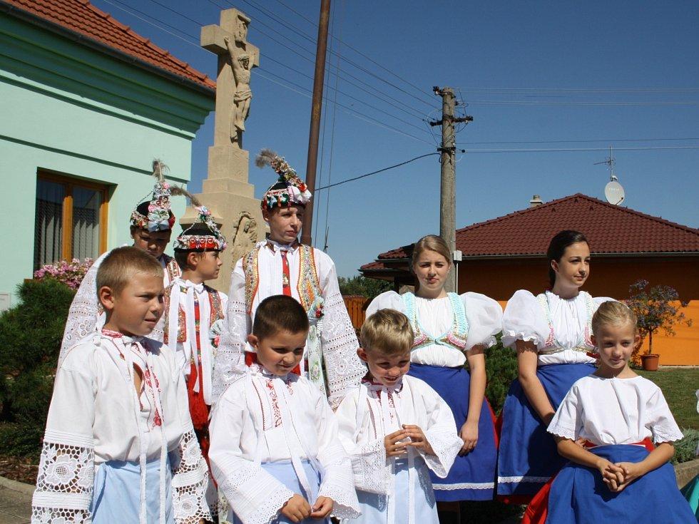 Nový Poddvorov oslavil 230 let od první zmínky. Při té příležitosti nechal požehnat pomníku padlým při první světové válce.