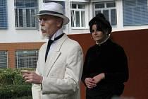Odhalení nové busty Masaryka v areálu hodonínské nemocnice.