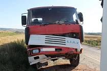 V pondělí se mezi Strážnicí a Vnorovami srazil nákladní automobil s autobusem.