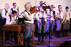 Horňácká cimbálová muzika Martina Hrbáče.