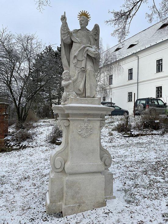 Socha svatého Vincence Ferrerského v Rosicích na Brněnsku.