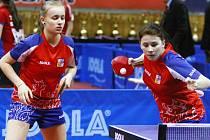 Na letošním Czech Junior & Cadet Open 2015 se představí i hodonínská odchovankyně Barbora Kapounová (vlevo).