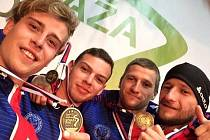 Posádka ve složení Jindřich Blanář, Vojtěch Přikryl, Antonín a Tomáš Martinkové vybojovala na mistrovství Evropy kategorie R4 závodníků do třiadvaceti let stříbrnou medaili.