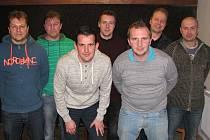 Ratíškovičtí fotbalisté mají od pátku, kdy se uskutečnila valná hromada FK Baník, nové vedení. Ruku pro sedmičlenný výkonný výbor zvedlo všech třiašedesát účastníků.