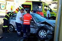 Dvě auta se střetla u Vlkoše. Záchranáři ošetřili dva zraněné
