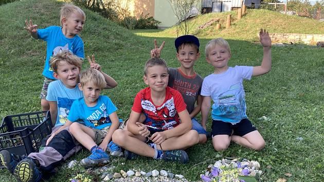 Do družiny se děti těší, hrají si a vzdělávají se