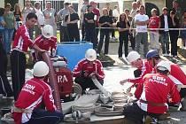 Hasiči založili letos dvě soutěžní družstva mužů i dívek.