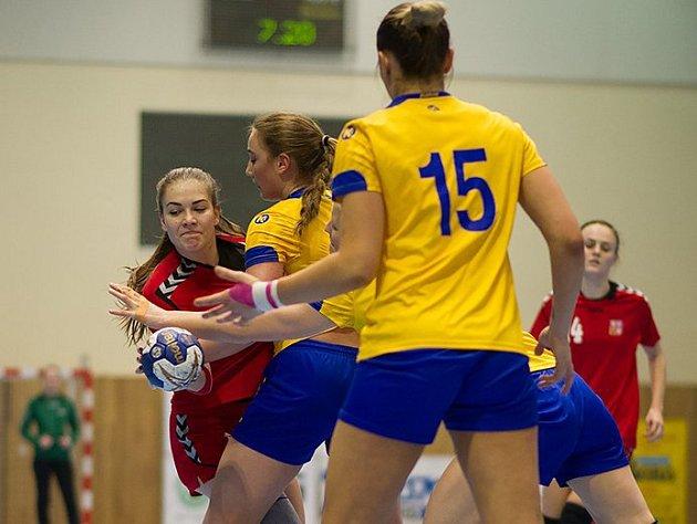 České házenkářky do devatenácti let skončily v kvalifikačním turnaji o postup na mistrovství Evropy po dvou porážkách a jedné remíze poslední.