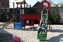 Dětské hřiště v hodonínském centru pro rodinu.