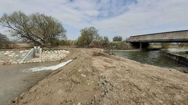 Baťův kanál u Veselí nad Moravou.