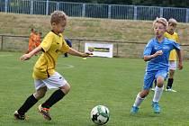 O vítězství a postup do velkého finále si to na hřištích Veselí nad Moravou rozdalo čtyřiadvacet moravských týmů. Nejlepší byla přípravka Hodonína (ve žlutých dresech).