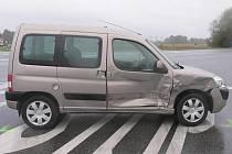 Nehoda dvou osobních aut na křižovatce smrti u hodonínského pánova