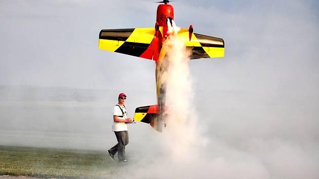 Jakub Nečesánek se létání věnuje čtyři roky.