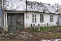 V tomto domku v Mikulčicích žila rodina malé Lenky.