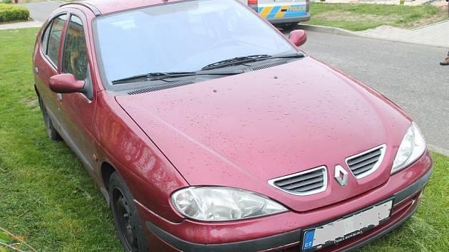 Vůz i s podezřelým čtyřicetiletým řidičem po třech hodinách vypátrali kyjovští policisté v sousedních Svatobořicích-Mistříně.