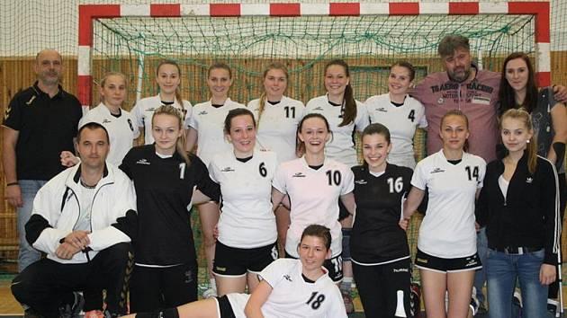 Starší dorostenky HK Veselí nad Moravou skončily v letošní ligovém ročníku na třetím místě.