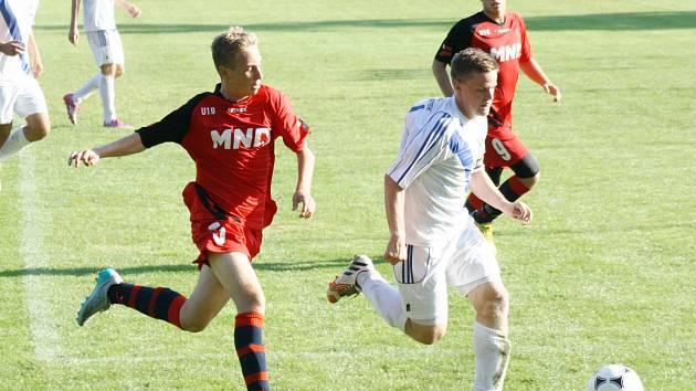 Starší dorostenci Hodonína prohráli v páteční předehrávce čtvrtého kola Moravskoslezské ligy s Frýdkem-Místkem 0:3.