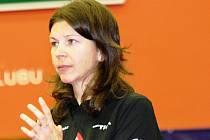 Bývalá reprezentantka a dlouholetá opora Hodonína Alena Vachovcová sice aktivní kariéru již ukončila, přesto má na chod i výsledky oddílu značný vliv.