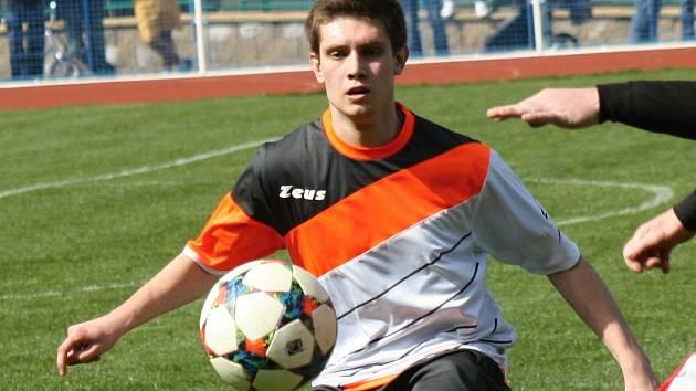 Kyjovský záložník Martin Riedl (na snímku) musel stejně jako zbytek týmu zkousnout další ztrátu. Slovácký celek doma pouze remizoval s Rakvicemi 1:1.