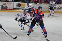 2. liga: SHK Hodonín (v modrém) vs. HC Orlová
