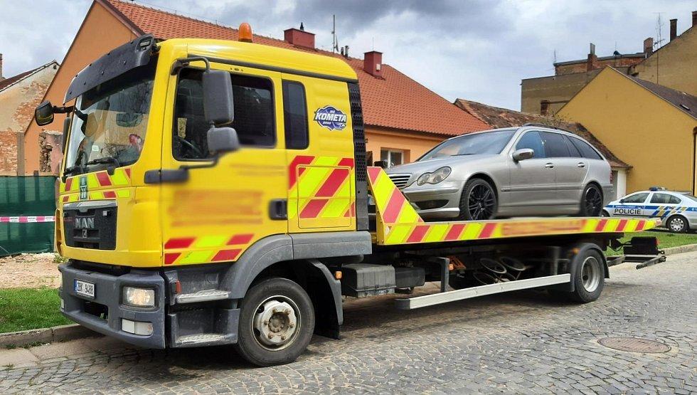 Se dvěma platnými zákazy řízení se minulý týden vydal na silnici řidič ve Strážnici.