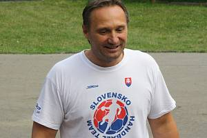 Trenér veselských házenkářek Ľuboš Hudák.