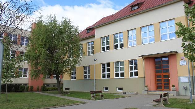 Masarykova základní škola ve Vracově.