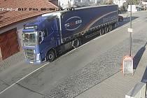 Řidič zlomil závoru na železničním přejezdu v Moravském Písku.