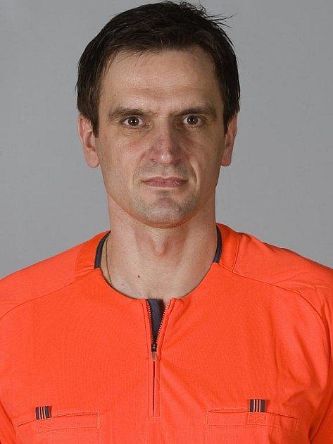 Rozhodčí z Ratíškovic Antonín Kordula řídil utkání Anglie – Švédsko, ve kterém vstřelil záložník Manchesteru City Gareth Barry 2000. gól anglické reprezentace.