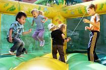 Rodinná zábava vypukne v tělocvičně základní školy Marie Kudeříkové ve Strážnici